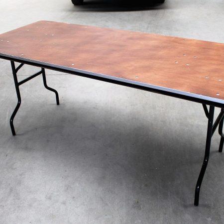 Buffettafel afmting 182 x 78 cm.