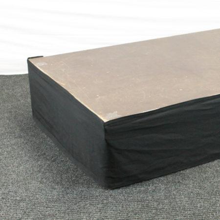 Podiumrok zwart 40 cm hoog 400 cm lang