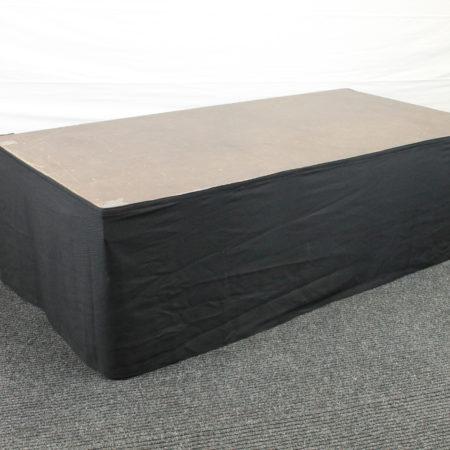 Podiumrok zwart 60 cm hoog 400 cm lang