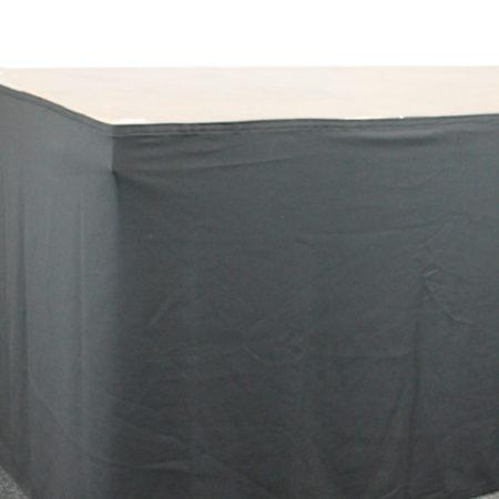Podiumrok zwart 100 cm hoog 400 cm lang