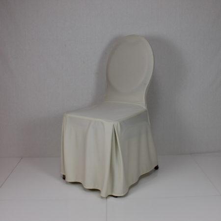 Gestoffeerde stoel met creme stoelhoes